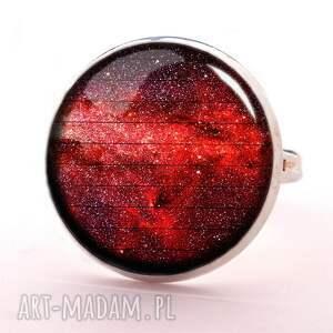 czerwona nebula - pierścionek regulowany, kosmiczny, prezent, kosmos