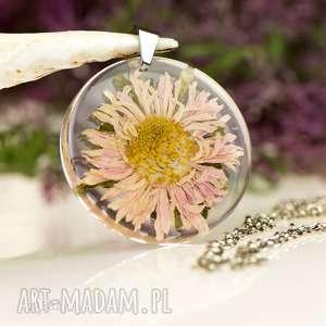 Prezent Naszyjnik z prawdziwymi kwiatami zatopionymi w żywicy z1382
