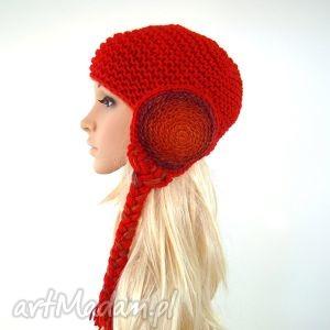 czerwony kapturek z warkoczami - czapka, nauszniki, warkocze, prezent, zima, fantazja