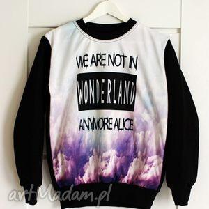 fajna bluza print 3d z napisem wonderland, bluza, modna, unikatowa, print3d, polska