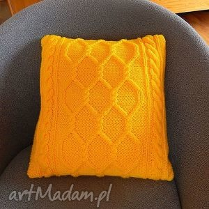 Włóczkowa żółta poduszka w sploty warkoczowe, poduszka, dziergana, włóczkowa
