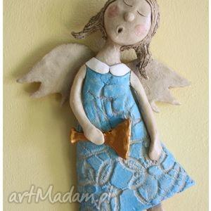 anioł śpiewający z trąbką, anioł, ceramika dom