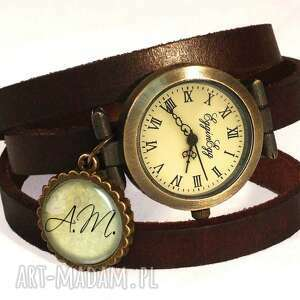 inicjały na życzenie - zegarek bransoletka na skórzanym
