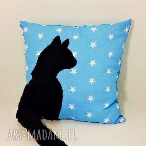 poduszka z kotem i ogonem 3d czarny kot na błękitnym niebie, poduszka-z-kotem