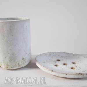 komplet łazienkowy mydelniczka i kubeczek, zestaw-łazienkowy, kubek-ceramiczny