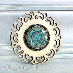 turkusowa mandala unikatowa broszka, drewniana, laserowo, ażurowa, mandale, niebieska