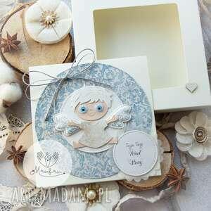 scrapbooking kartki personalizowana kartka z aniołkiem stróżem w pudełeczku