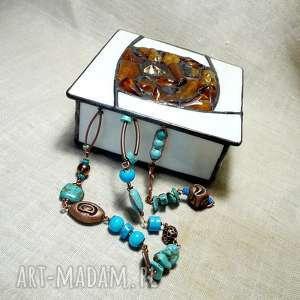 Efektowna szkatułka hand made z bursztynem wspaniały prezent