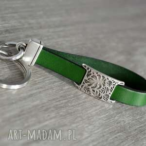skórzany brelok do kluczy monstera zielony, kluczy