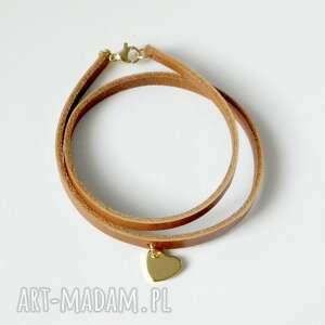ręczne wykonanie podwójna skórzana bransoletka ze złotym serduszkiem - idealna