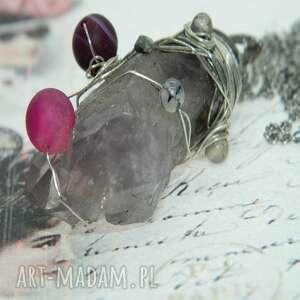 ametyst w otoczeniu agatów-n101, wisior, fioletowe naszyjniki, naturalny kamień