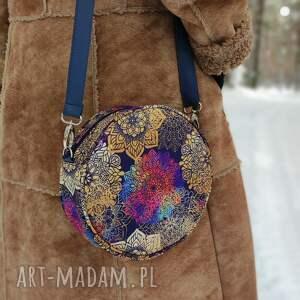 na ramię round bag - tęczowe mandale, elegancka, nowoczesna, prezent, święta