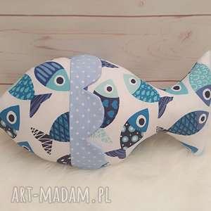 rybka z szeleszczącymi łuskami (sensoryczna zabawka)