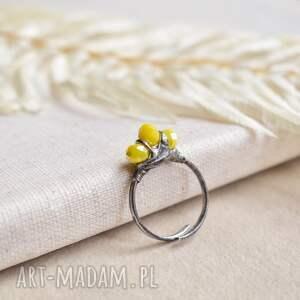 słonecznie - pierścionek ze szklanymi kryształkami