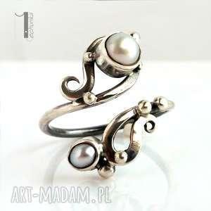 Prezent Sorbus z perłą srebrny pierścionek perłami, srebro, perły, naturalne