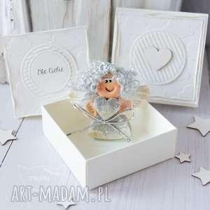 scrapbooking kartki aniołek stróż z kartką w mini pudełeczku przeurocza
