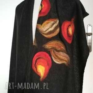 Czarny szal damski zimowy z wełną merynosów handmade - komin