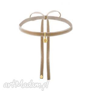 ręcznie robione naszyjniki beżowy aksamitny choker ze złotą rozetką