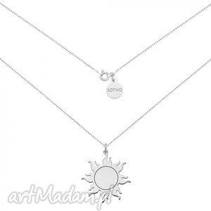 Długi srebrny naszyjnik ze słońcem naszyjniki sotho modny