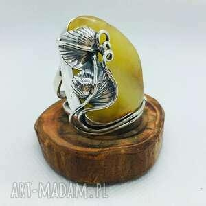 pierścionek srebrny z bursztynem rękodzieło srebro