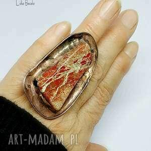 Pierścień z jaspisem brekcja dla wielbicielki wielkich