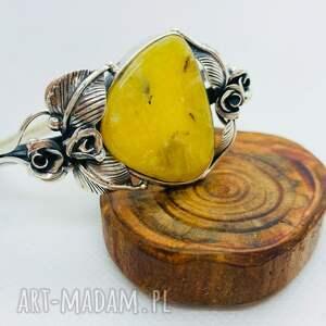 srebrna bransoletka z jasnym bursztynem bałtyckim