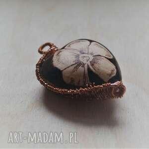 kwieciste serducho w miedzi - ręcznie wypalona zawieszka, wire wrapping