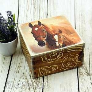drewniane pudełko/szkatułka - konie, pudełko, drewniane, szkatułka, koń