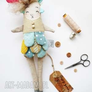 handmade pomysł jaki prezent pod choinkę monsterówna honorata - lalka z tkanin handmade