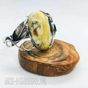 hand-made srebrna bransoletka z bursztynem bałtyckim pudełko