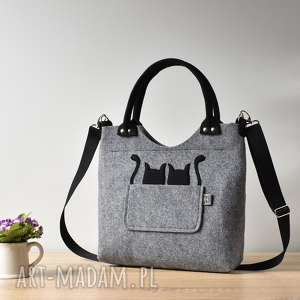 szara torebka z filcu dwoma kotami, kot, kotek, torebka, filcowa