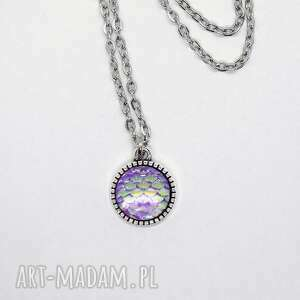 LiliArts: naszyjnik - łuski fioletowe - mały medalion, łuski, syrenka, wisiorek, prezent