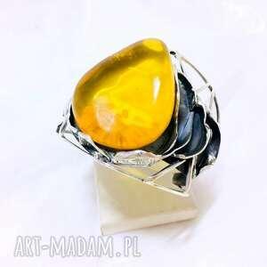 Okazała srebrna bransoleta z naturalnym bursztynem bałtyckim