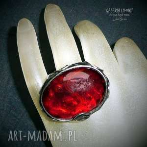 czerwony pierścień seksowny boho style własnoręcznie wytopione szkło i metal hand