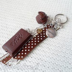 święta prezent, breloki breloczek czekoladowy, fimo, czekolada, muffinka, modelina
