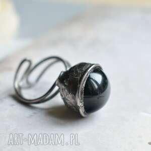 black hole - awangardowy pierścionek z czarną szklaną kulą, duży