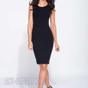 Czarna sukienka ołówkowa z łezką na plecach, mała-czarna, midi, dopasowana,