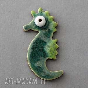 handmade pomysł na święta prezent morski dzikus-broszka ceramiczna