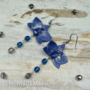 Prezent Eleganckie, długie kolczyki z kwiatami orchidei - granatowe, długie-kolczyki