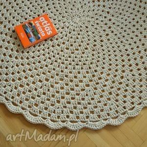 Ażurowe koło, dywan, chodnik, okrągły, ażurowy, sznurek, dziergany
