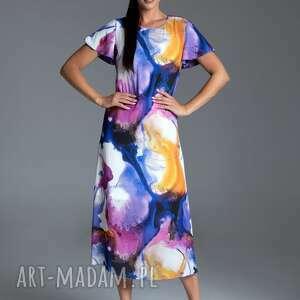 Długa letnia sukienka trapezowa kolorowa z krótkim rękawem typu