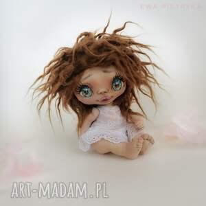 handmade dekoracje szkrab - lalka kolekcjonerska figurka tekstylna ręcznie szyta
