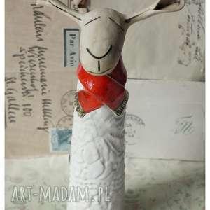 owca w czerwonym szaliczku mała, ceramika, owca, wielkanoc