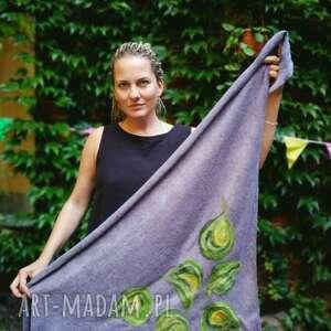 szara chusta handmade wełniana wymiary 150cm na 112cm - elementy filcowane to
