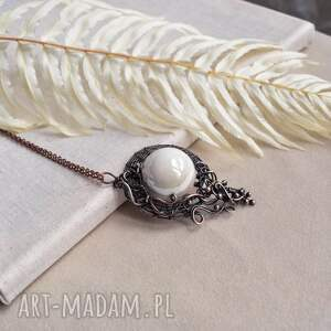 white - naszyjnik z dużym wisiorem ceramiką, duży wisior, ceramiką