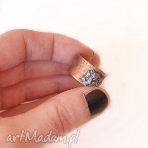 Pierścionek z oksydowanej miedzi /2/, pierścionek, pierścień, miedż, oksydowana