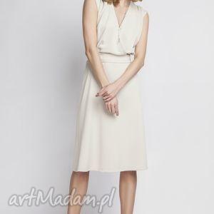 Sukienka w stylu retro, SUK125 beż, kopertowa, beżowa, wesele, zmysłowa, kobieca