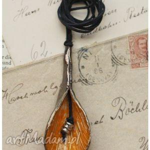 wisiorki wisior lilia, wisior, ceramika biżuteria