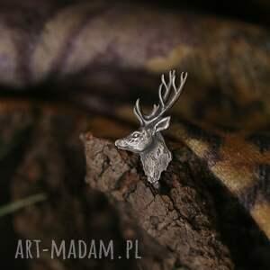 mini broszka pin z jeleniem ze srebra, srebrny jeleń, biżuteria zwierzętami