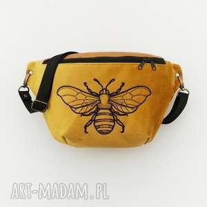 nerka xxl pszczoła, nerka, oversize, haft, musztardowa